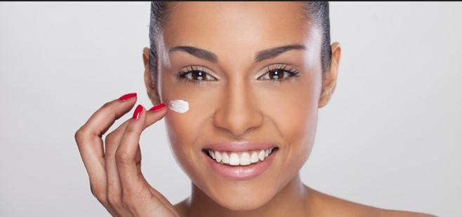 5 Hábitos para Evitar el Envejecimiento Facial
